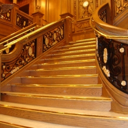 TITANIC GRAND STAIRCASE - FIRST FLOOR