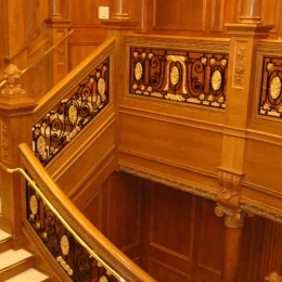 TITANIC GRAND STAIRCASE - LANDING TO SECOND FLOOR