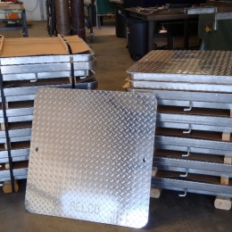 ALUMINUM MANHOLE COVERS AND FRAMES